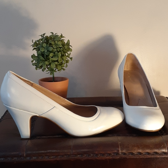 Naturalizer Shoes   Pumps White New
